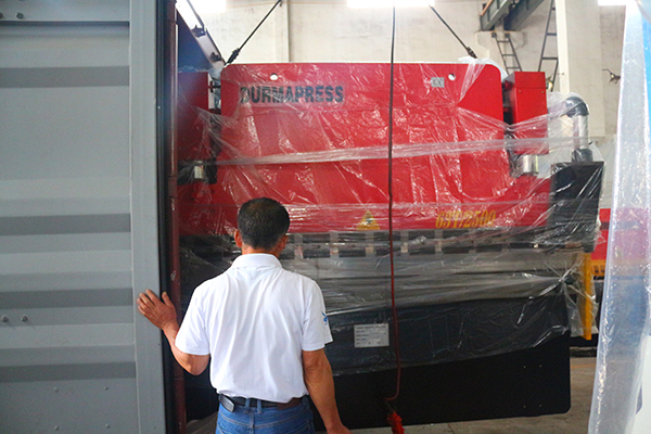 2017.08.20 63/2500 Hydraulic press brake shipping to Russia