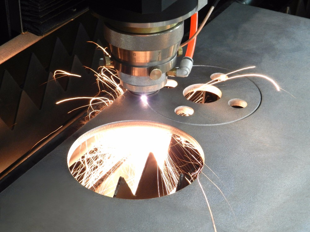 Why the round hole cut by the Fiber Laser Cutting Machine is not round enough