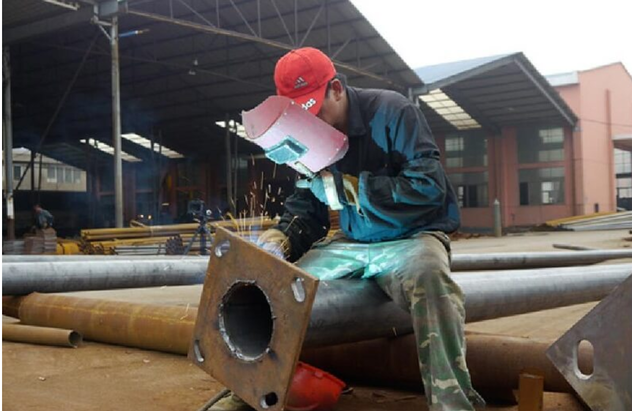 welding bottom flange & rib plate